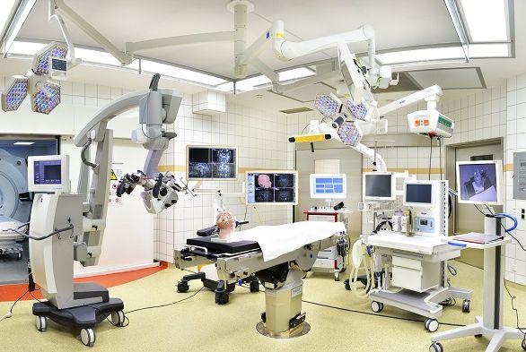 البروفيسور - هارتموت فاتر - المستشفى الجامعي بون