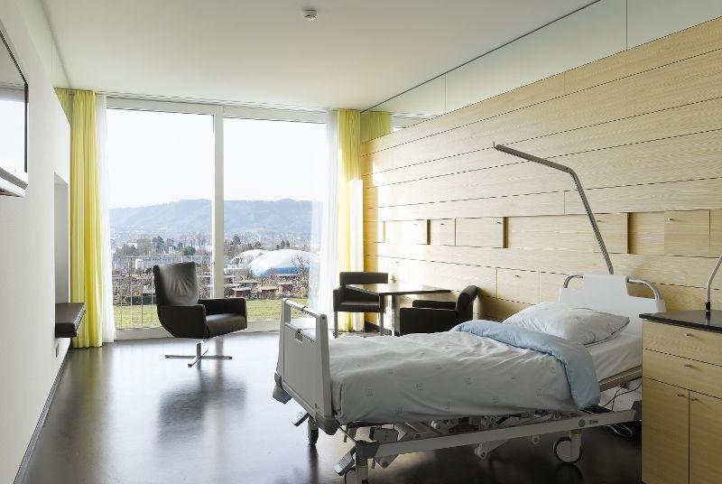 Prof. - Ralf Werner Baumgartner - Hirslanden Clinic - patient room