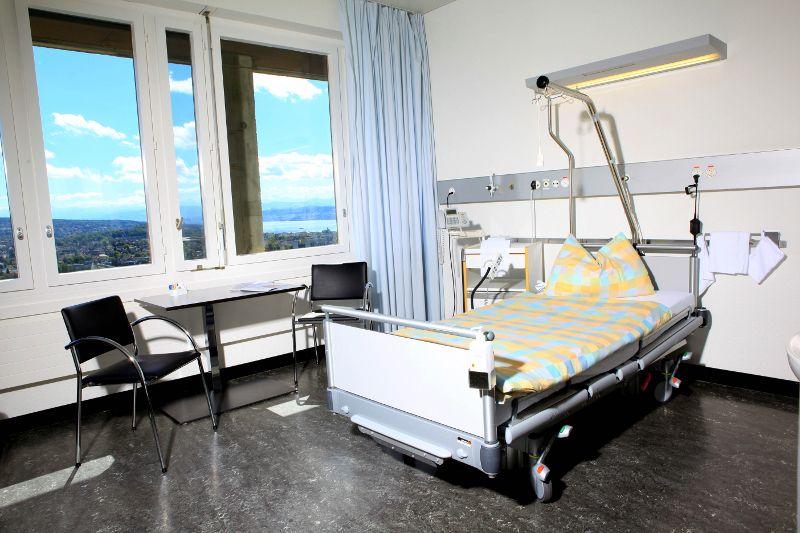بروفيسور - دانيل فينك - مستشفى زيورخ الجامعي  - غرفة طالب العلاج