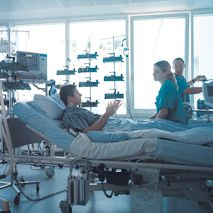 Prof. - Jürgen Ennker - HELIOS Heart Center Siegburg - patient room