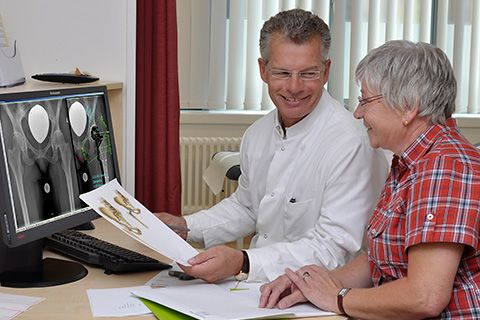 Prof. - Thorsten Gehrke - HELIOS ENDO-Clinic Hamburg - expert