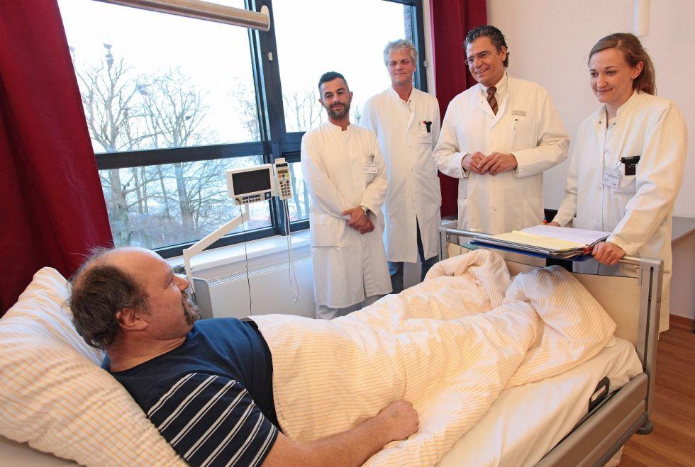 البروفيسور - ماثياس بيرت - مستشفى هيليوس هانزاكلينكوم شترالسأوند - غرفة طالب العلاج