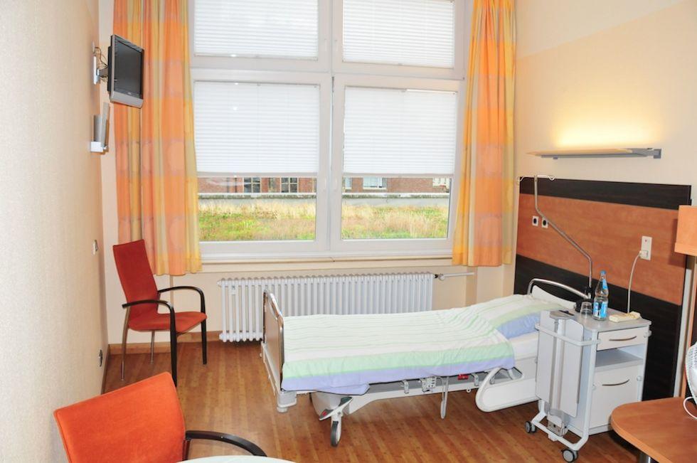 البروفيسور - شتيفان داتسرت - مستشفى سانت يوسف وسانت اليزابيت، مستشفيات جامعة الرور في بوخوم - غرفة طالب العلاج