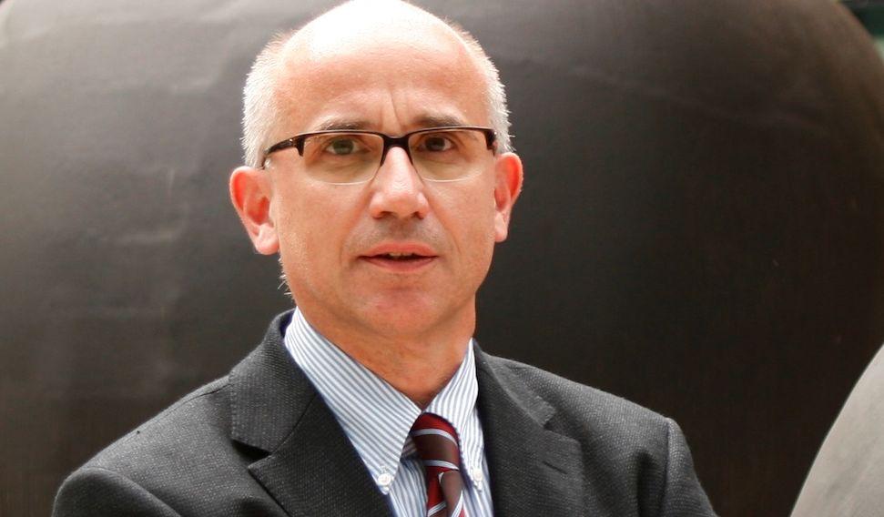 البروفيسور - هارتموت دونر - مستشفيات جامعة أولم - خبير
