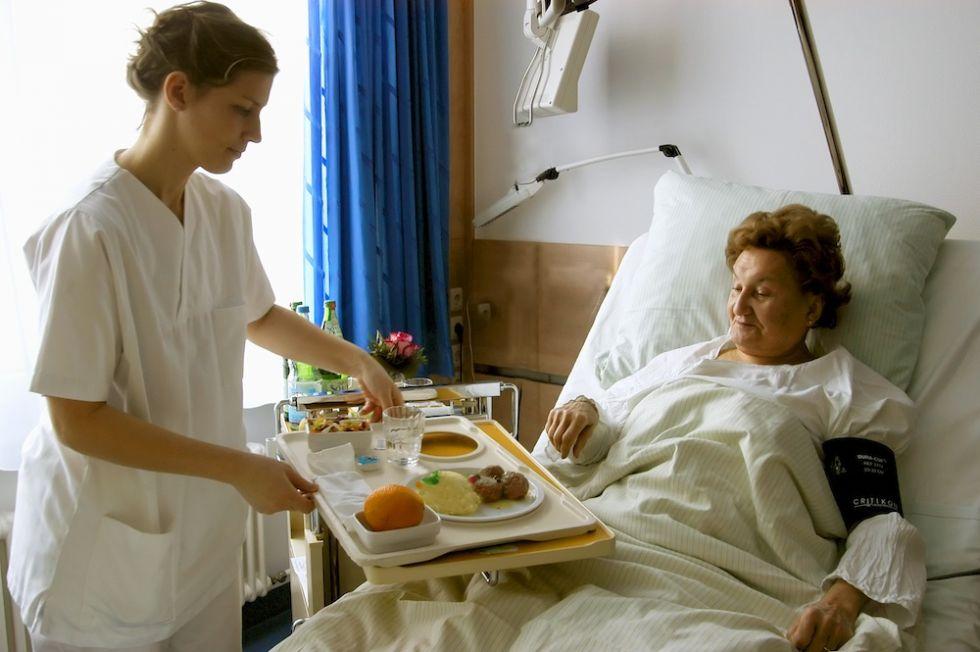 الاستاذ - هاينتز غونتر ياكوب - المستشفى الجامعي في مدينة إيسّن، مركز - غرفة طالب العلاج