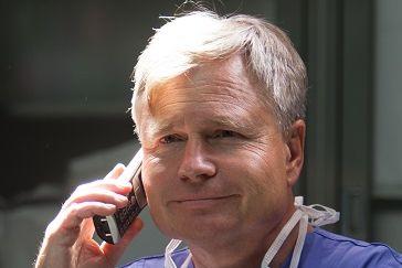 البروفيسور - ف. توماس كراوس، شهادة الزمالة من كلية الجراحة الأمريكية، ماستر إدارة الأعمال - مستشفى نوردفيست ش.م.م