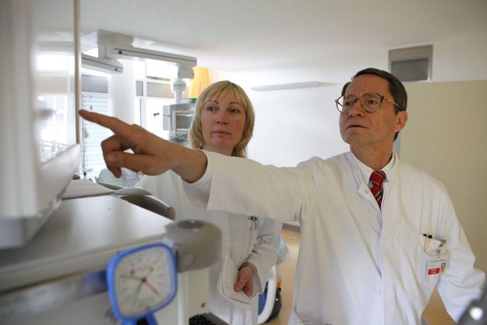الاستاذ - ايرنست كلار - المستشفى الجامعي  في مدينة روستوك AöR - خبير