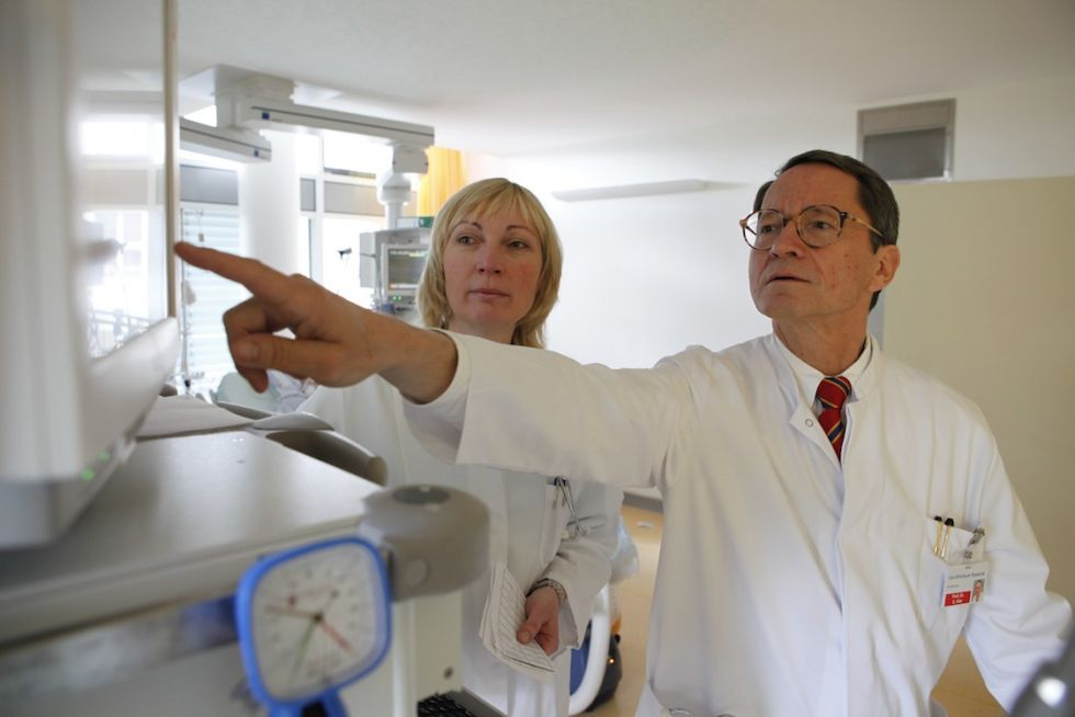 Prof. - Ernst Klar, MD, FACS - Rostock University Hospital - expert