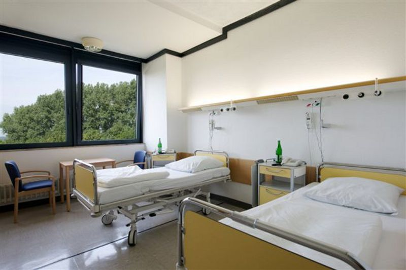 Prof. - Ulrich Costabel - Ruhrland Hospital, West German Lung Center at the Essen University Hospital (non-profit LLC) - patient room