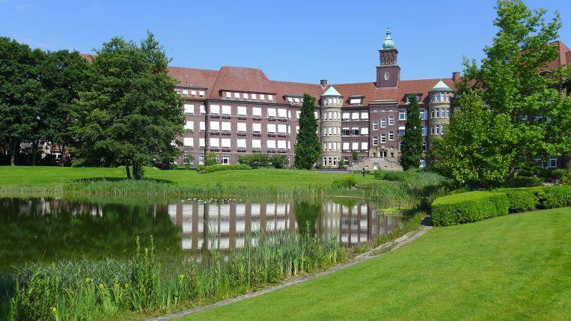 Prof. - Gerd Rudolf Lulay - Hospital Rheine: Mathias Spital - exterior view