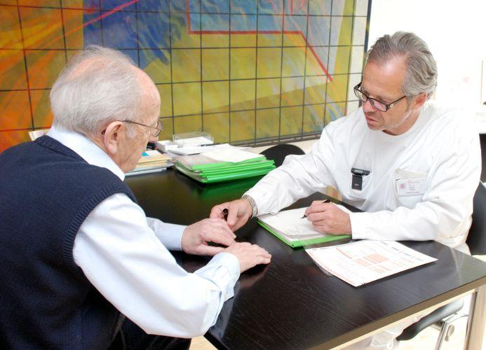 الاستاذ - توماس غاسر - مستشفى الكانتون ليزتال، بازل لاند - استشارة