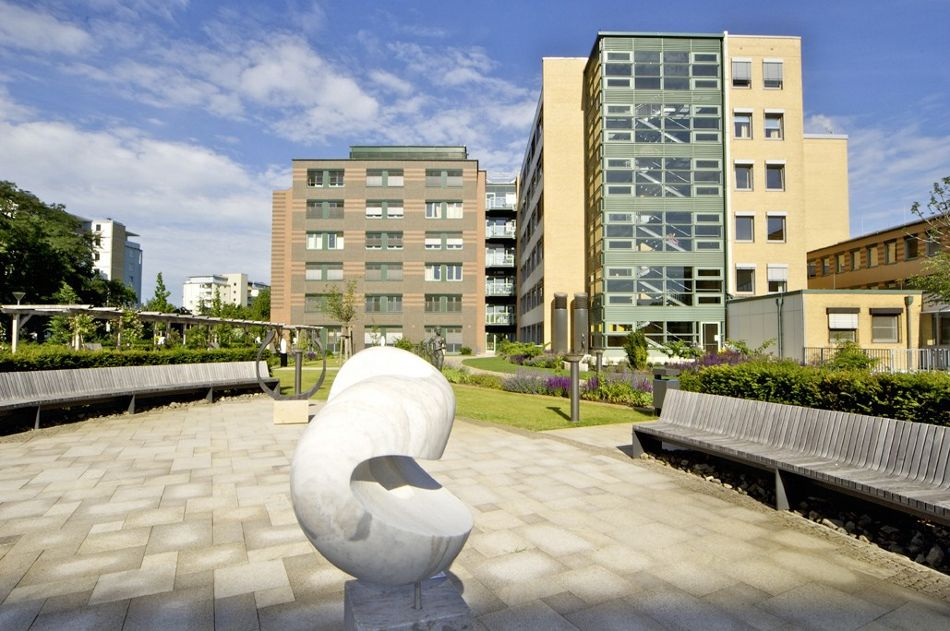 Prof. - Karl-Dieter Heller - Herzogin Elisabeth Hospital - hospital campus