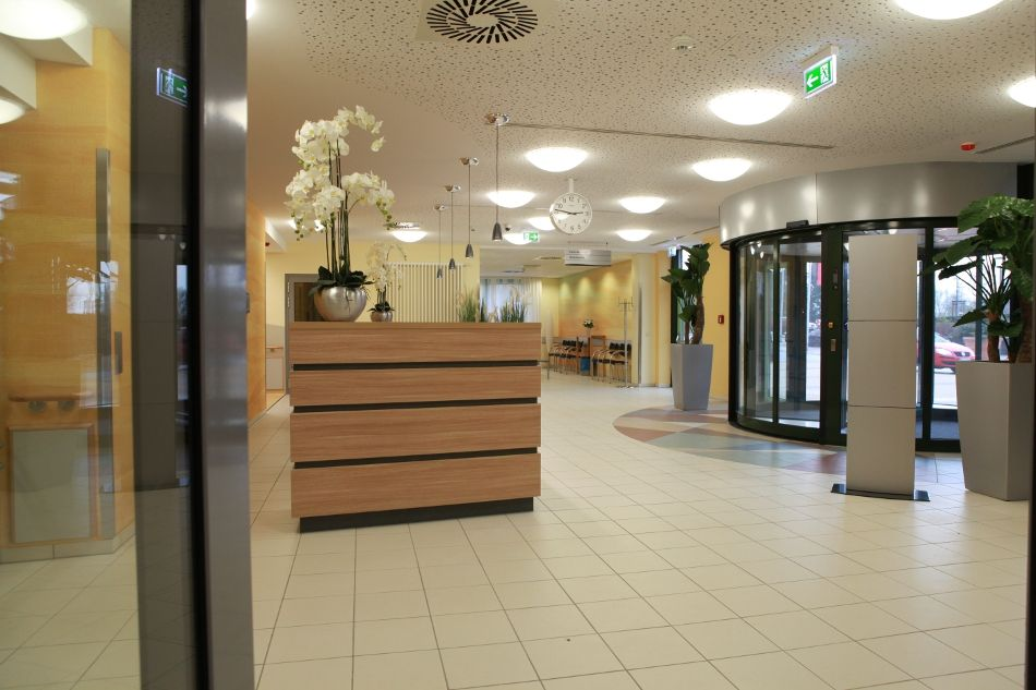 Prof. - Karl-Dieter Heller - Herzogin Elisabeth Hospital - reception area