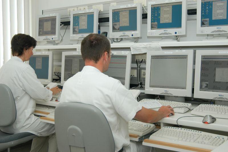 البروفيسور - كلاوس ف. رابا - مستشفى الصدر جروسهانسدورف المحدودة المسؤولية - التجهيزات