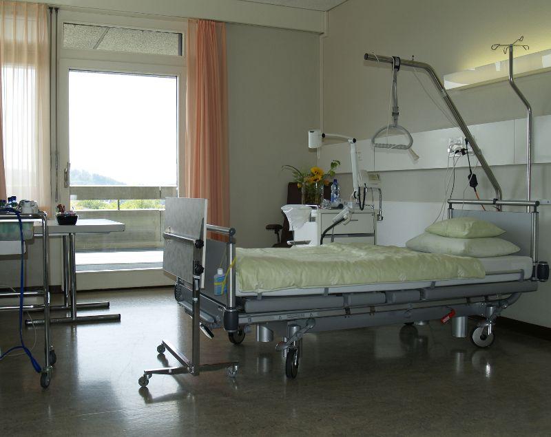 Universitätsklinik für Orthopädische Chirurgie und Traumatologie  - Insel Hospital, University Hospital Bern - patient room
