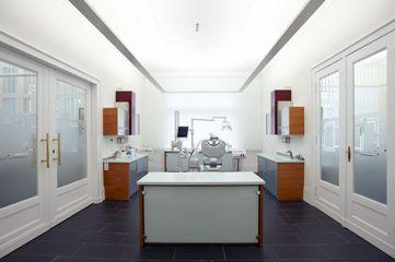 دكتور - ماركوس نوفاك - عيادة الأسنان برلين ـ دكتور طب الأسنان ماركوس نوفاك