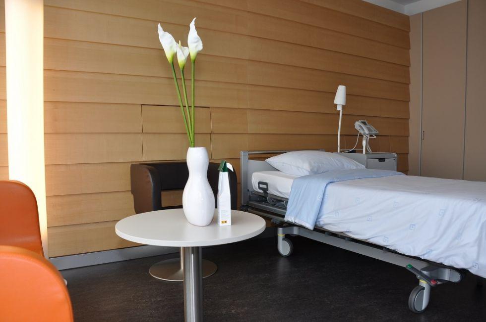 Dr. - Oliver Nic Hausmann - St Anne's Hospital