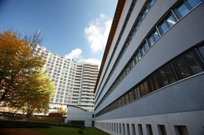 البروفيسور - أندرياس رابه - مستشفى إنزيل شبيتال بيرن - أرضية المستشفى
