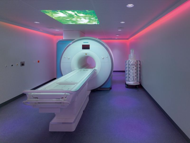 البروفيسور - يوهانِس هيفرهاجن - مستشفى إنزل شبيتال الجامعي ببيرن - غرفة العلاج