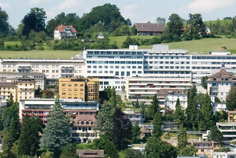 Professor - Martin Schilling - Klinik St. Anna - exterior view