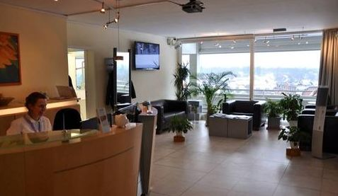 Prof. - Peter Borsay - Prof. Borsay & Partner Dental Clinic - reception area