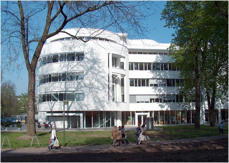 Dr. - Diego de Ortueta, FEBO - AURELIOS EYE CENTER Recklinghausen - exterior view