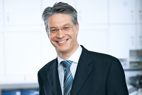 Prof. - Paul Robert  Vogt - Hirslanden – Clinic in the Park - expert