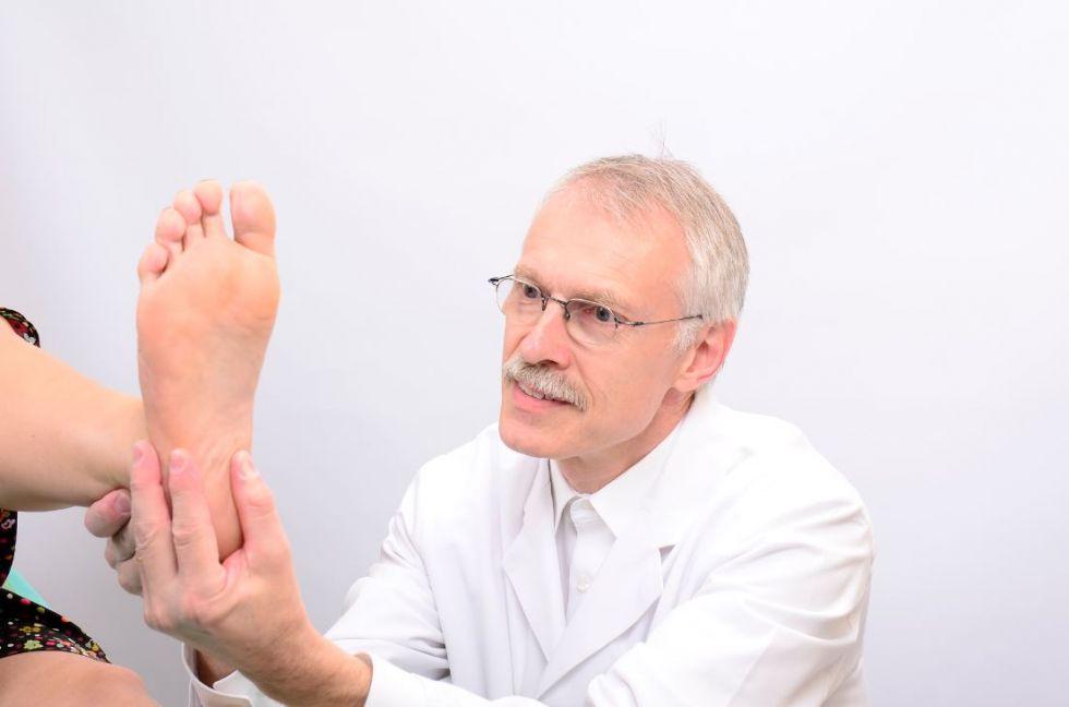"""الدكتور - هاوك  ڨيرنر  - مستشفى نارديني كلينيكوم سانت يوهانيس """"ش.ذ.م.&"""