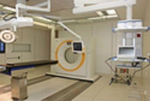 الأستاذ - راينهارد هوفمان - مستشفى الحوادث  في فرانكفورت، تعاونية مهنية