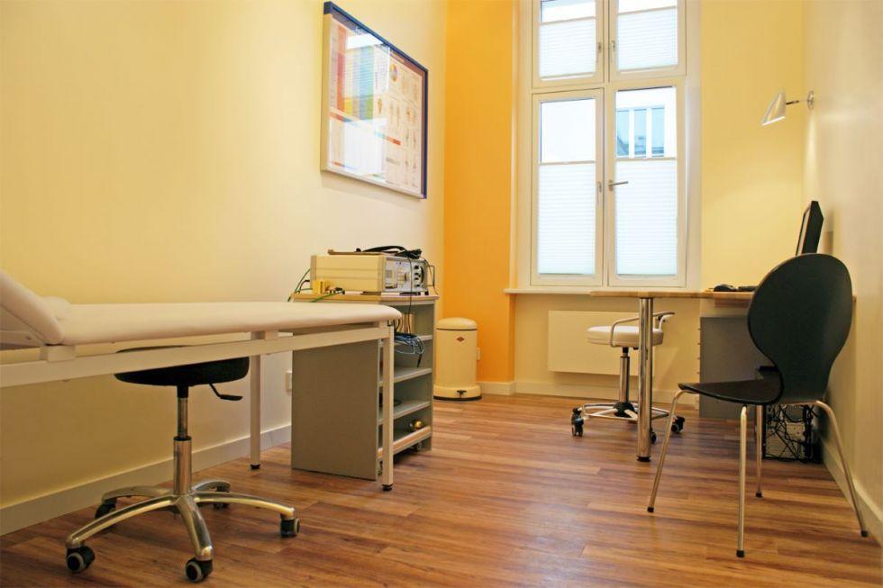 Dr. - Hubert Klauser - Hand- und Fußzentrum Berlin