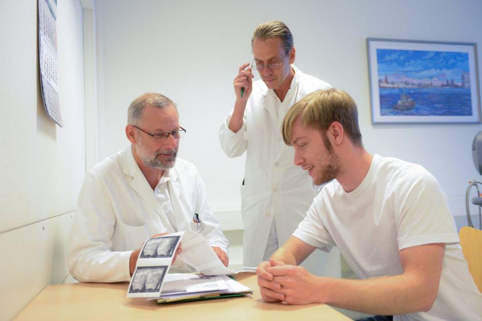 د. - فولفجانج راينبولد - مستشفى فيلهيلمس بورج جروس زاند