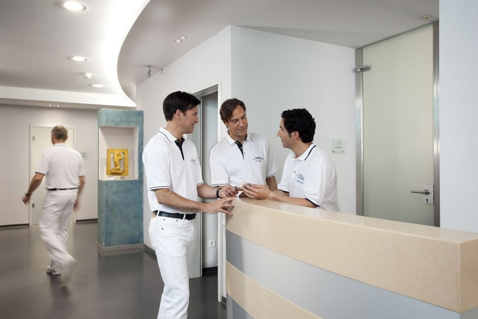 البروفيسور - هنريك شرودر بورش - HELIOS Aukamm-Klinik