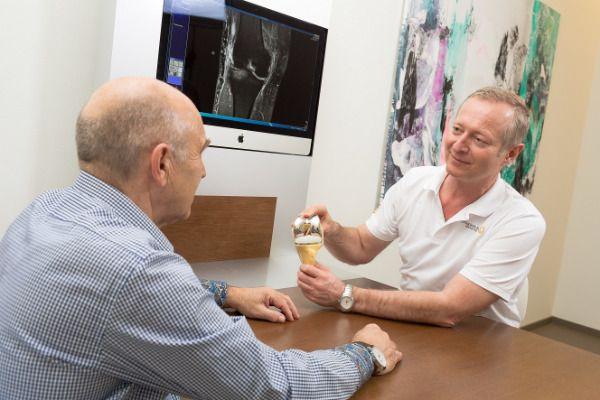 عيادة جراحة العظام - ديريزامر وباتش - عيادة جراحات العظام والإصابات الرياضية