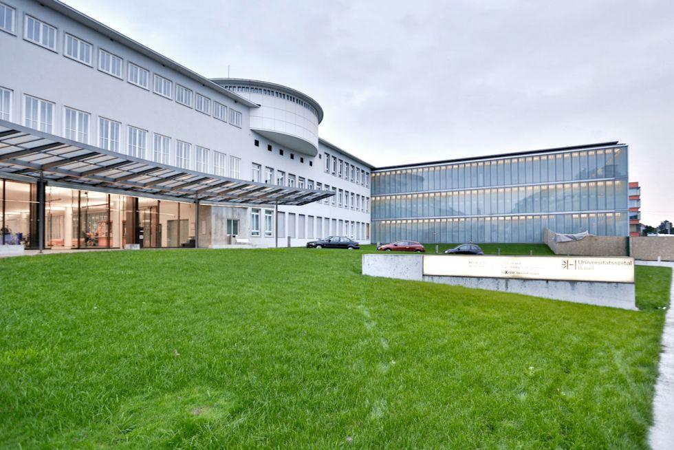 مركز بازل الجامعي للفتوق  - مستشفى بازل الجامعي