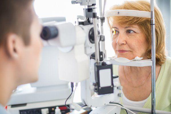 Prof. - Matthias Bolz - مستشفى كيبلر الجامعي، المستشفى الجامعي لطب العيون