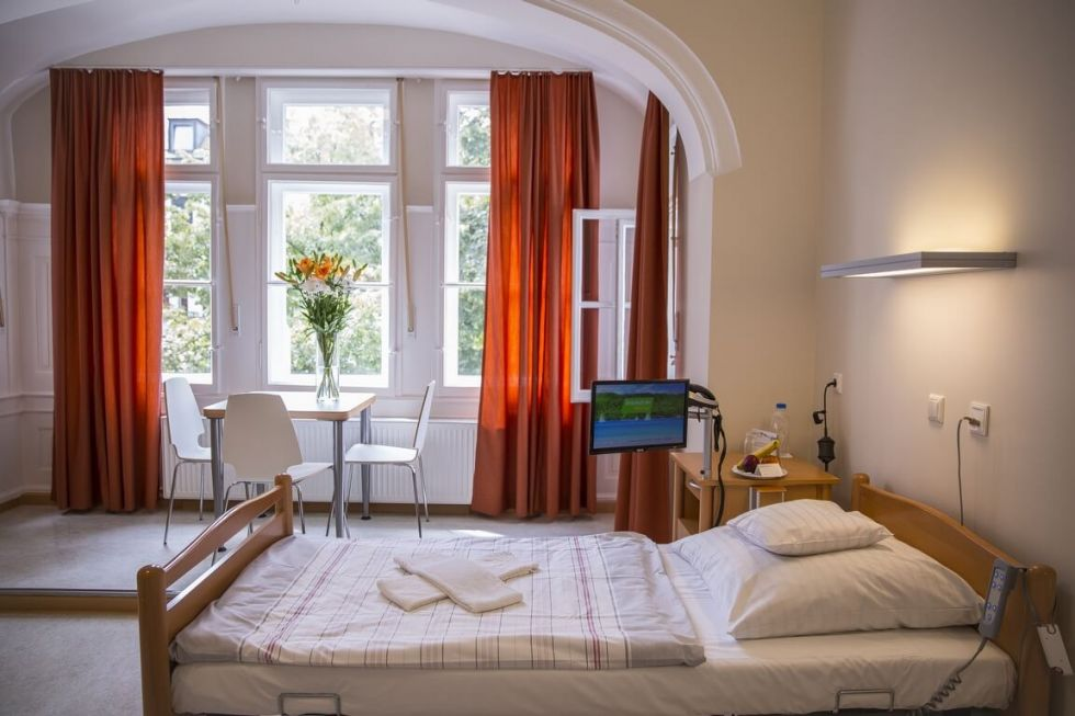 Dr - Michael Hille - Artemed Specialist Clinic, Munich