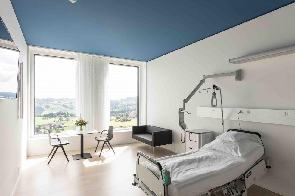 الاستاذة - فريدريكا لاطيج - مستشفى بيريت باركيلسوس، سركة مساهمة، مستشفى فويجلينسيج - بيريت