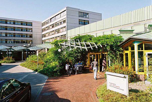 Prof. - Ulrich Noeth, MHBA - Wald Lutheran Hospital, Spandau
