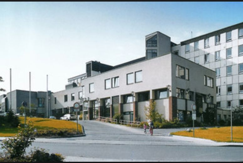 Dr. - Michael Lichtenberg - Karolinen Hospital, Huesten