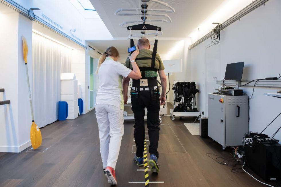Prof. - Andreas R. Luft - cereneo Schweiz AG   center for neurology & rehabilitation