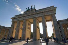 أخصائيون وخبراء طبيون في برلين