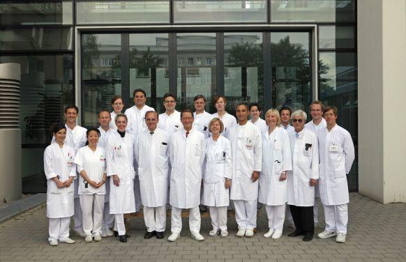 الاستاذ - ايرنست كلار - المستشفى الجامعي  في مدينة روستوك AöR - فريق الخبراء