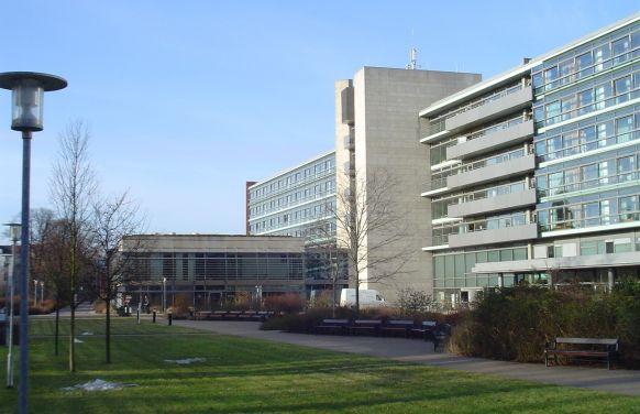 البروفيسور - فيرديناند كوكرلينج - مستشفيات فيفانتيس في شبانداو - المنظر الخارجي