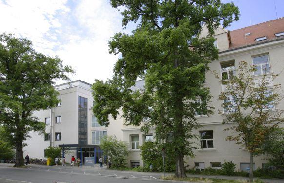 Prof. - Heinrich Iro - Universitätsklinikum Erlangen Waldstraße location - exterior view