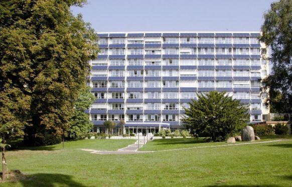 الدكتور - كريستيان كوغلر - مستشفى وسط مدينة غروسهاندورف طب وجراحة الصدر - المنظر الخارجي