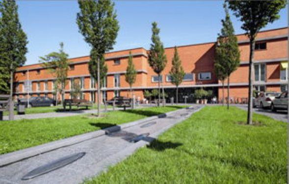 البروفيسور - مارتن كول مان - مستشفى فيفانتس في فريدريش هاين - المنظر الخارجي