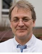 الاستاذ - غيدو غركن - طب الجهاز الهضمي  - إيسن