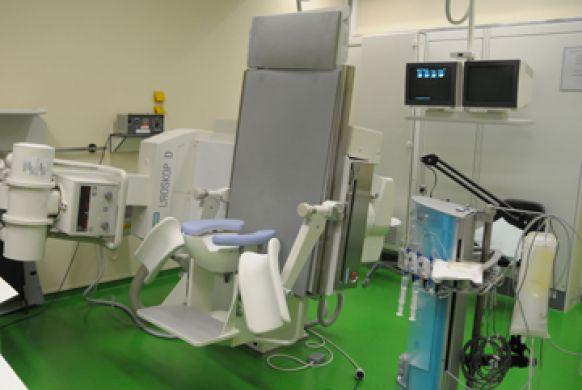 الاستاذ - أليكس هايدينرايش - المستشفى الجامعي في آخن - غرفة العلاج