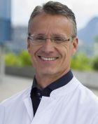 Prof. - Karl J. Oldhafer - Knee Surgery - Innsbruck
