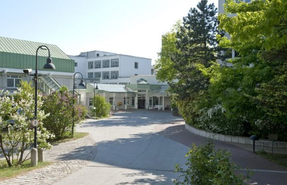 Prof. - Ernst  Weigang - Hubertus Evangelical Hospital